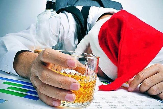 Betrunkener Mitarbeiter rastet bei Weihnachtsfeier aus