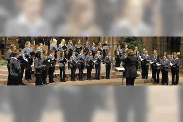 Mädchenkantorei am Freiburger Münster singt in der Pfarrkirche Mariä Krönung