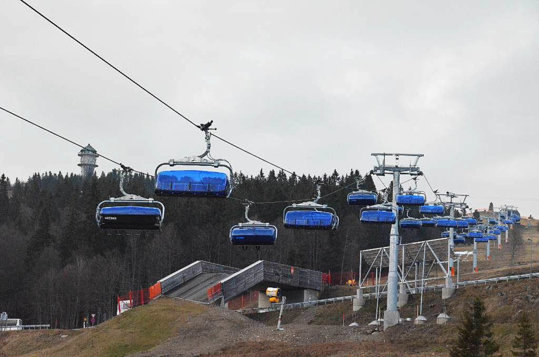 Am Tag der Einweihung waren nur noch Schneereste im Skigebiet zu sehen.  | Foto: Sebastian Barthmes