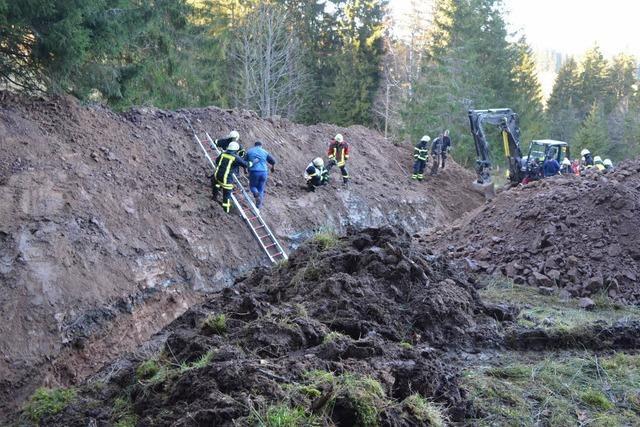 Männer in Baugrube verschüttet
