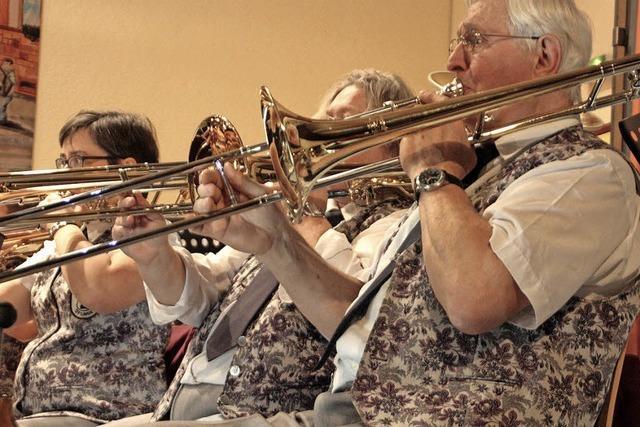 Musikverein Öflingen schafft mit Adventskonzert stimmungsvollen Jubiläums-Abschluss