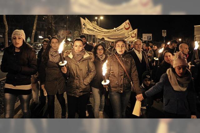 200 Menschen setzen ein Zeichen für den Frieden