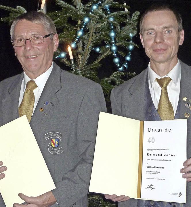 Eine  Stütze des Vereins sind die leis... dabei) und Reimund Jenne (40/rechts).  | Foto: Karlernst Lauffer