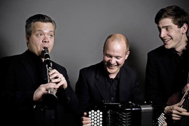 Ungewohnte Klänge vom Berliner Trio Neuklang