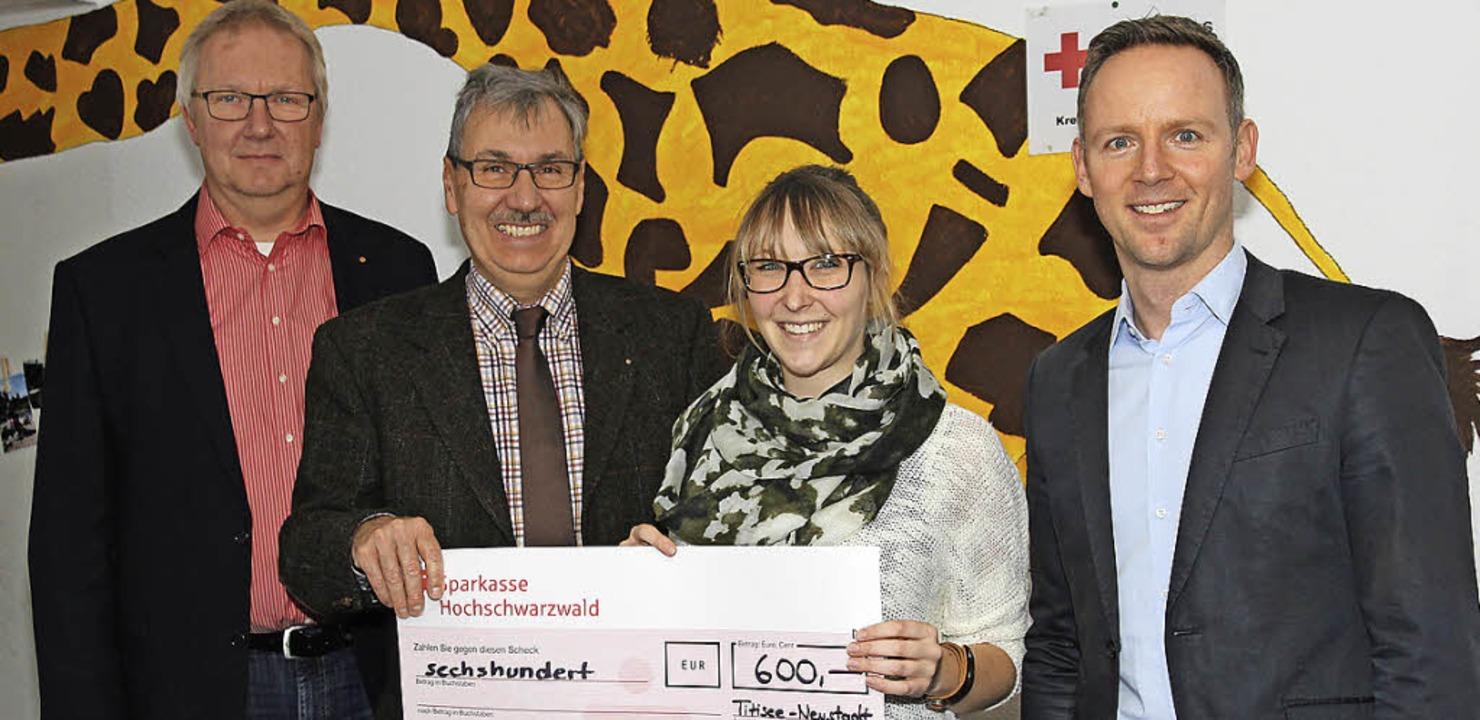 Lioins-Club Titisee-Neustadt pendet fü...Kempf, Dana Hahn und Andreas Hofmeier.  | Foto: Eva Korinth