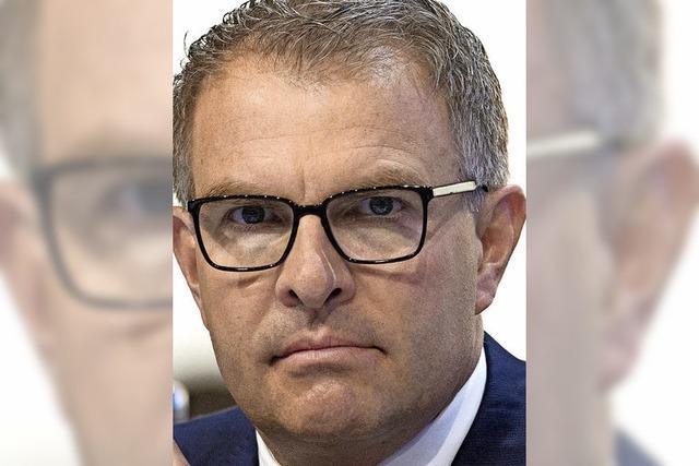 Lufthansa-Chef Carsten Spohr verteidigt seinen umstrittenen Sparkurs