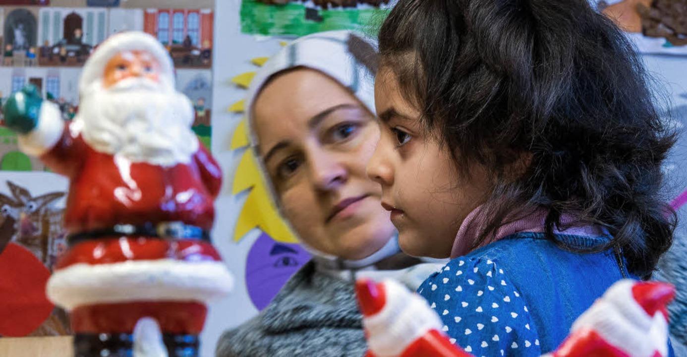 Der Weihnachtsmann - Symbol einer frem...der  kultureller  Integrationspunkt?    | Foto:  Jens Büttner (DPA)
