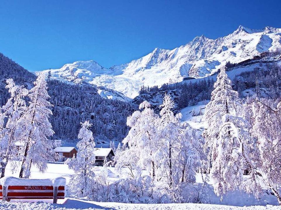Winteridylle inmitten in der faszinier...elt: In Saas-Fee gibt es hohe Berge...  | Foto: Stephan Brünjes