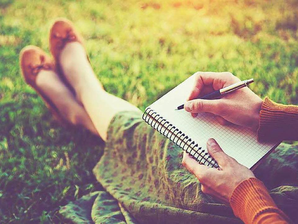 Früher wurde mit Stift und Papier Tagebuch geschrieben...  | Foto: Ivan Kruk, Fotolia.com