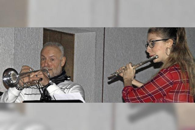 Wechselseitiges Zuspiel zwischen Trompete, Querflöte und Orgel