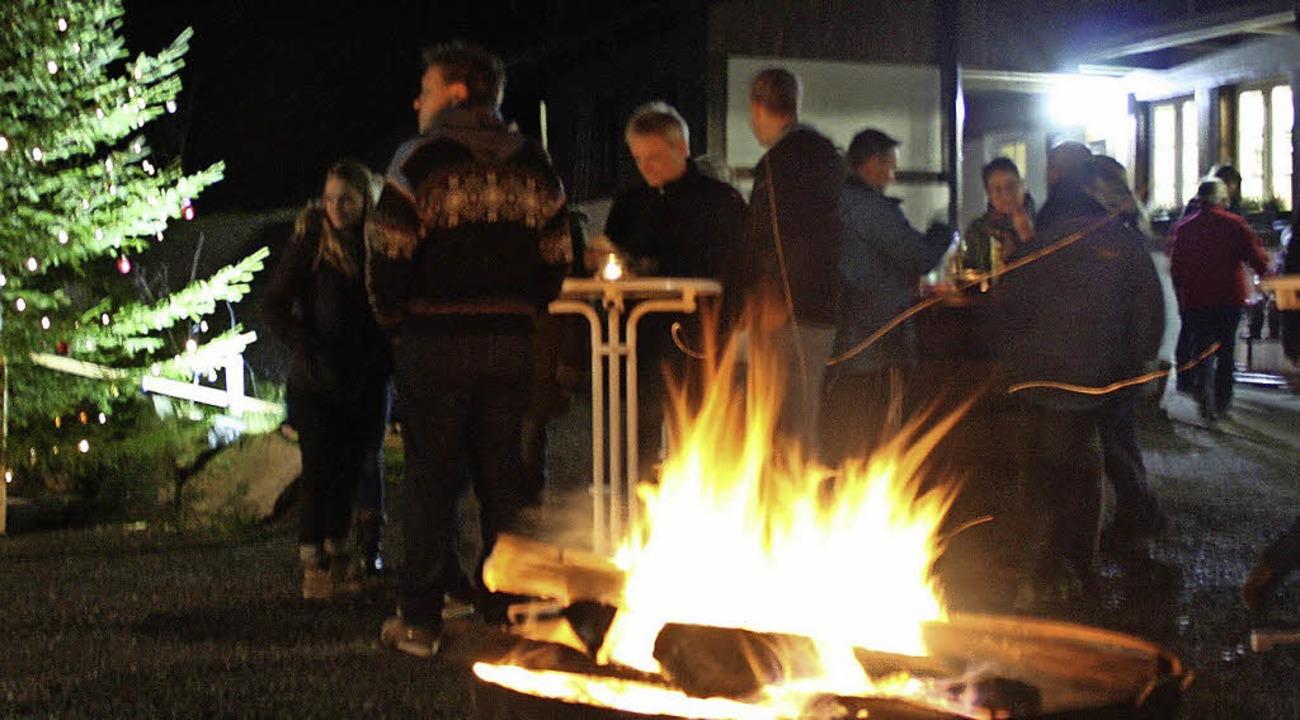 Winter-Sonnwendfeuer im Geschwender Rößle-Garten.   | Foto: Privat