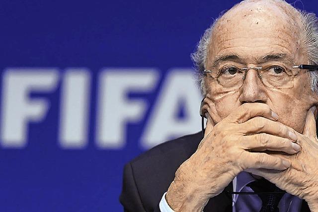 UND SONST NOCH: Abpfiff für Blatter