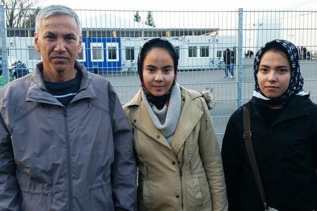 Alltag in der Freiburger Erstaufnahmestelle: Drei Flüchtlinge berichten