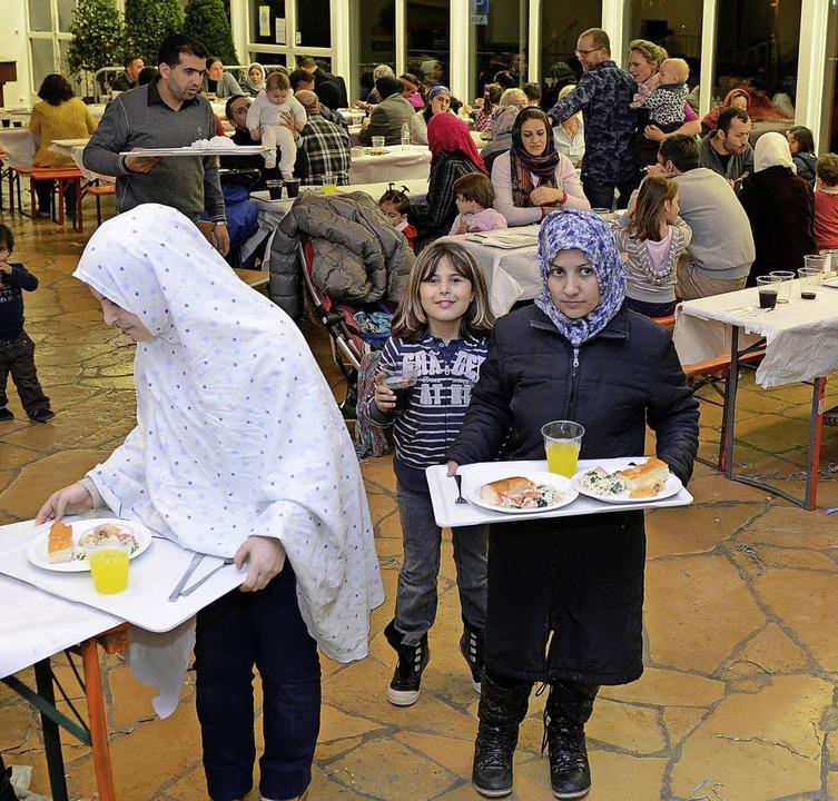 Eine Silvesterfeier wurde für rund 200...estellt, in der viele Familien leben.   | Foto: Rita Eggstein