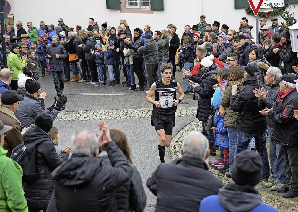 Fritz Koch aus Münster siegte beim Sil...der zum dynamischen Sportevent wurde.     Foto: Volker Münch