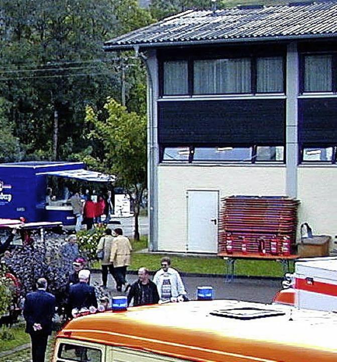 Kaum Rückmeldung für die Arbeiten am  Feuerwehrhaus im Gufenbach    Foto: Manfred Lange