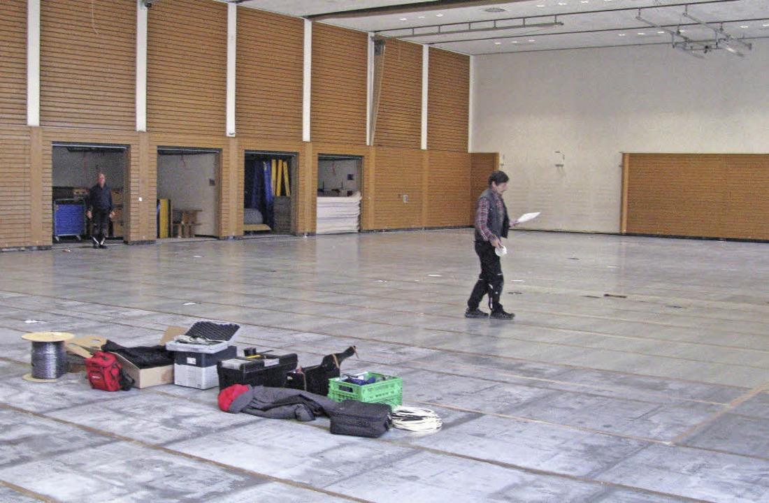 Den frisch sanierten Boden der Belchen...schicht bei Veranstaltungen schützen.     Foto: Manfred Lange