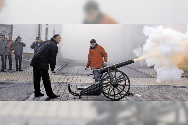 Fürstenberg ehrt mit Kanonenschlägen