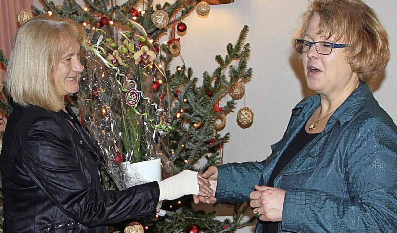 Verbschiedung unter dem Weihnachtsbaum...pf beim Neujahrsempfang verabschiedet.  | Foto: Rolf-Dieter Kanmacher