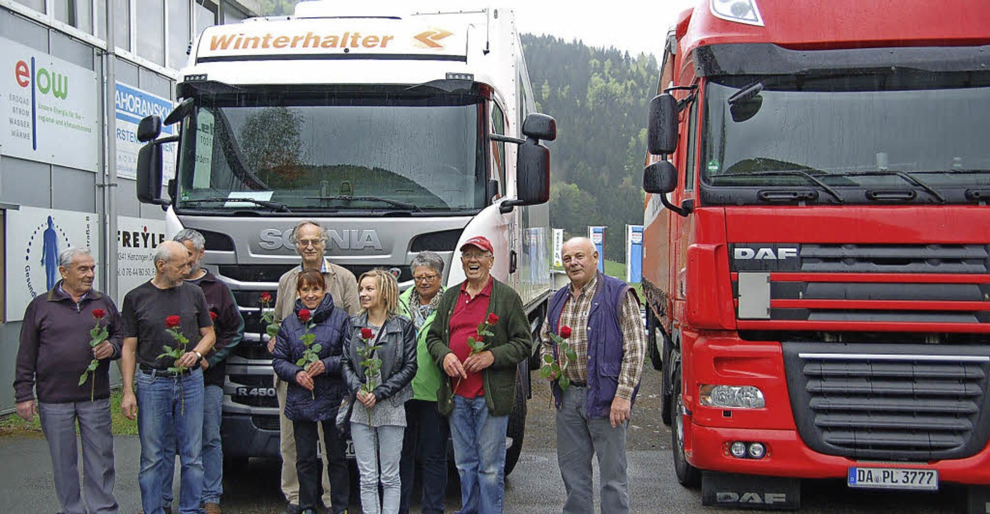 Mit kirchlichem Segen und einer Rose w...Ende April 2015 auf den Weg geschickt.  | Foto: Jäger