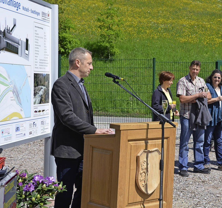 Mit einem Fest wurde das Wasserkraftwe...st, Investor und Betreiber der Anlage.    Foto: Juliane Kühnemund