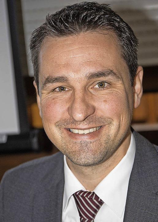 Bürgermeister Tobias Gantert informier... Bürgerversammlungen über Flüchtlinge.    Foto: Dieckmann