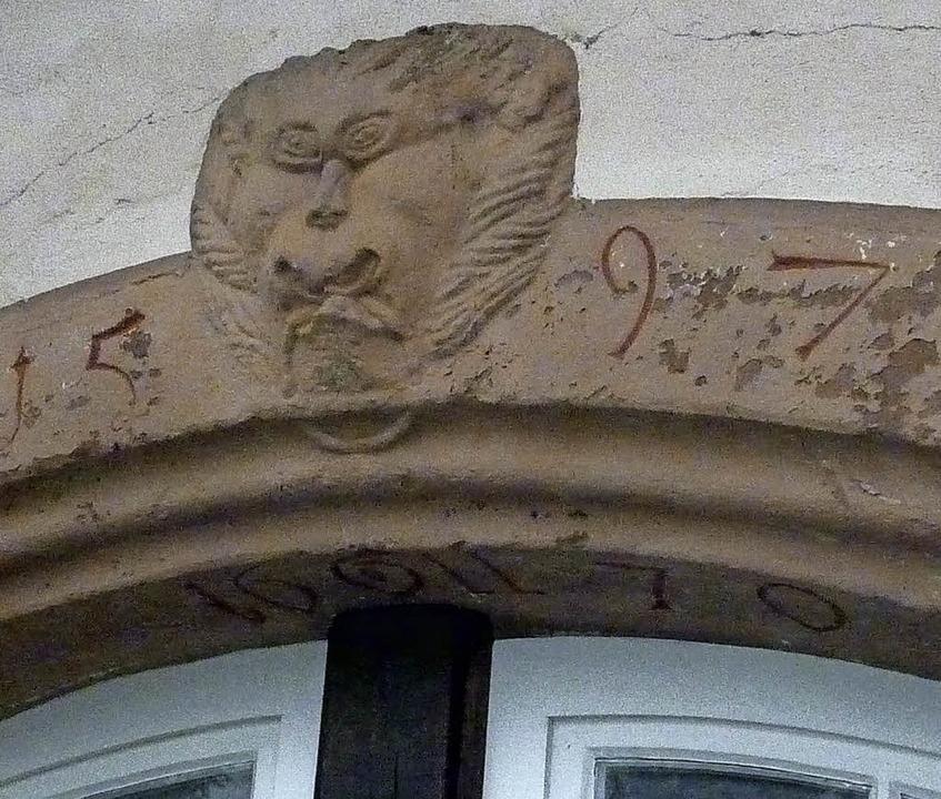 1597 wurde mit dem Bau des Alten Schlo...r des heutigen Feuerwehrheims erkennt.  | Foto: Karlernst Lauffer