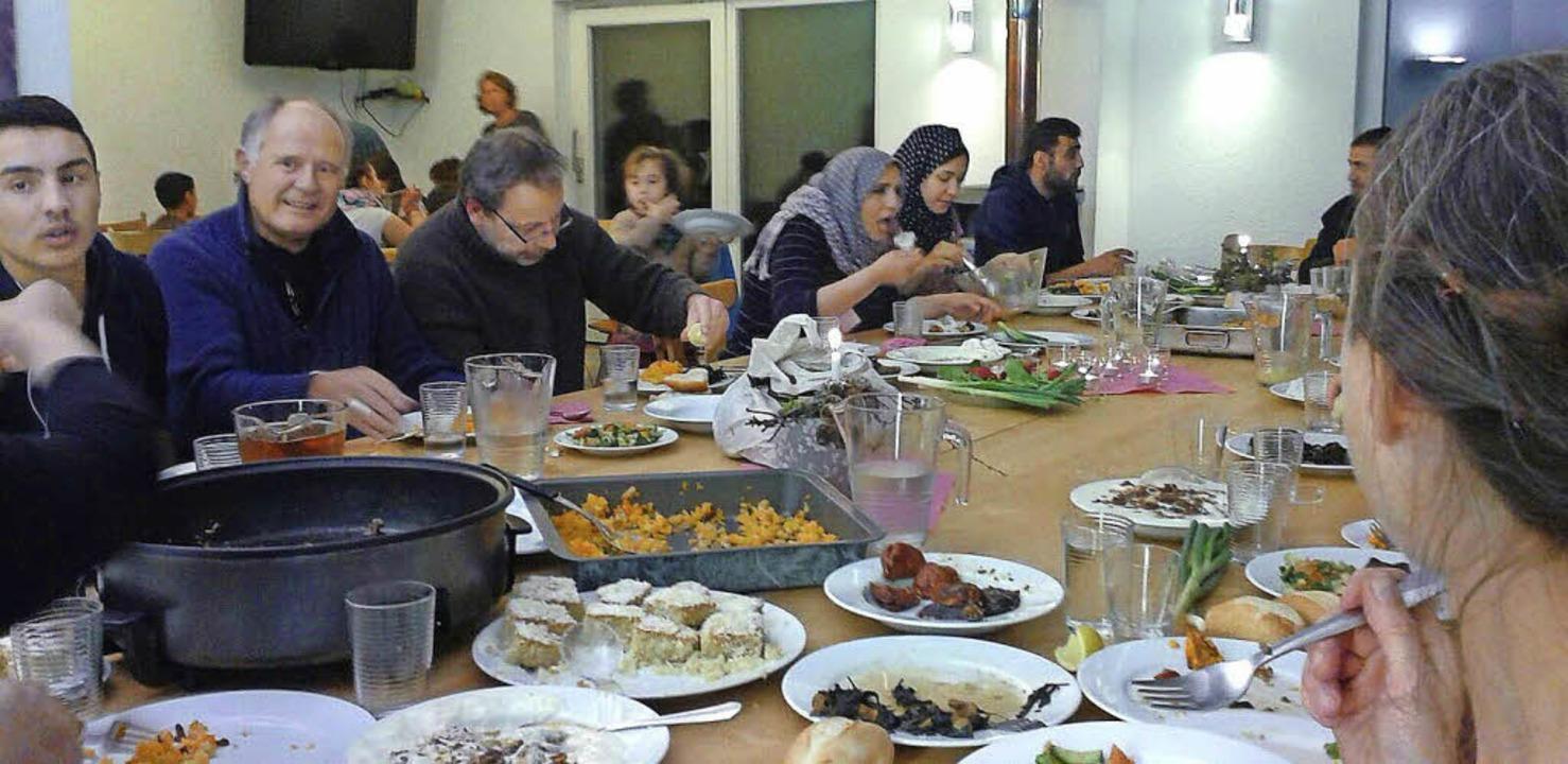 Syrisch gespeist wurde kürzlich in gro...soll künftig  monatlich stattfinden.      Foto: Privat