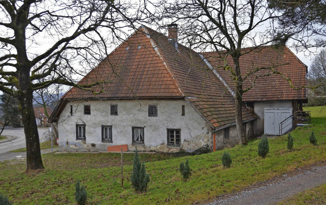 Für Erhalt und Umbau des denkmalgeschü...  Zechenwihler Hotzenhauses...     Foto: Winfried Dietsche/DPA