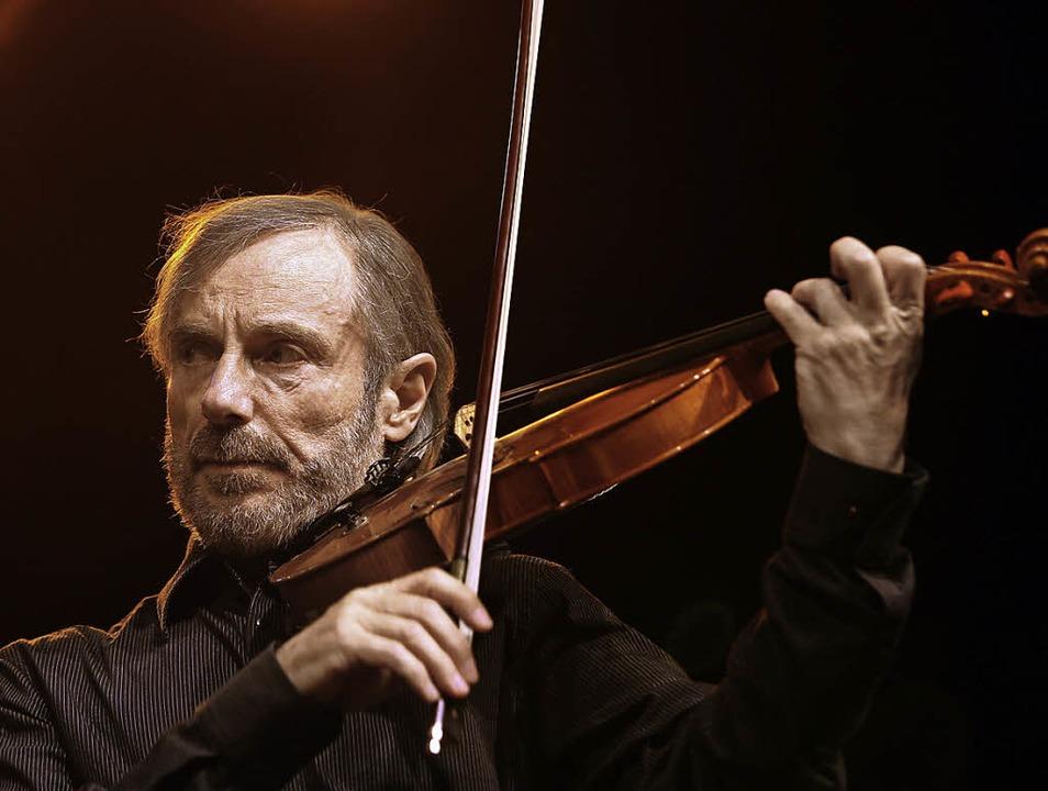 Immer noch sehr agil: Jazzgeiger Jean-Luc Ponty   | Foto: afp