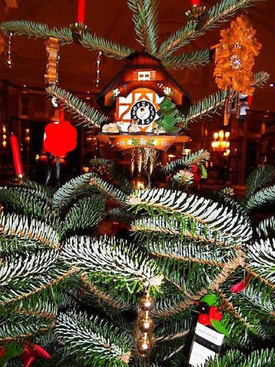 Weihnachtsbaum inklusive Kuckucksuhr  | Foto: privat