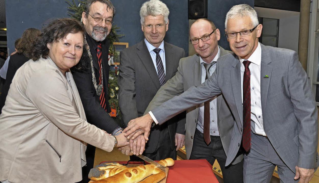 Bürgermeisterstellvertreterin Elvira K...eim Neujahrsempfang überreicht hatte.   | Foto: Kai Kricheldorff