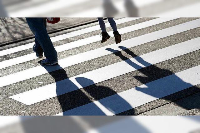Fußgängerin auf Zebrastreifen angefahren