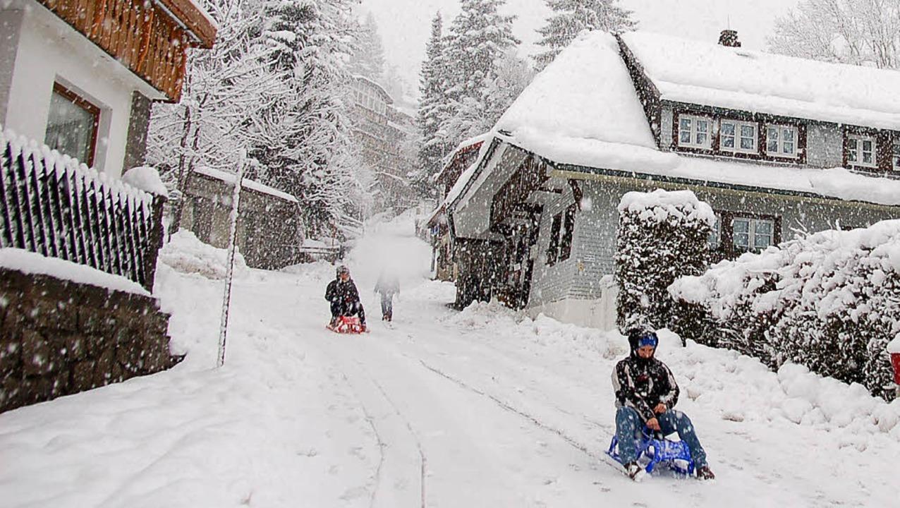 Verspäteter Jubiläumswinter: Heftige Schneefälle gab es in Todtnauberg.     Foto: Ulrike Jäger