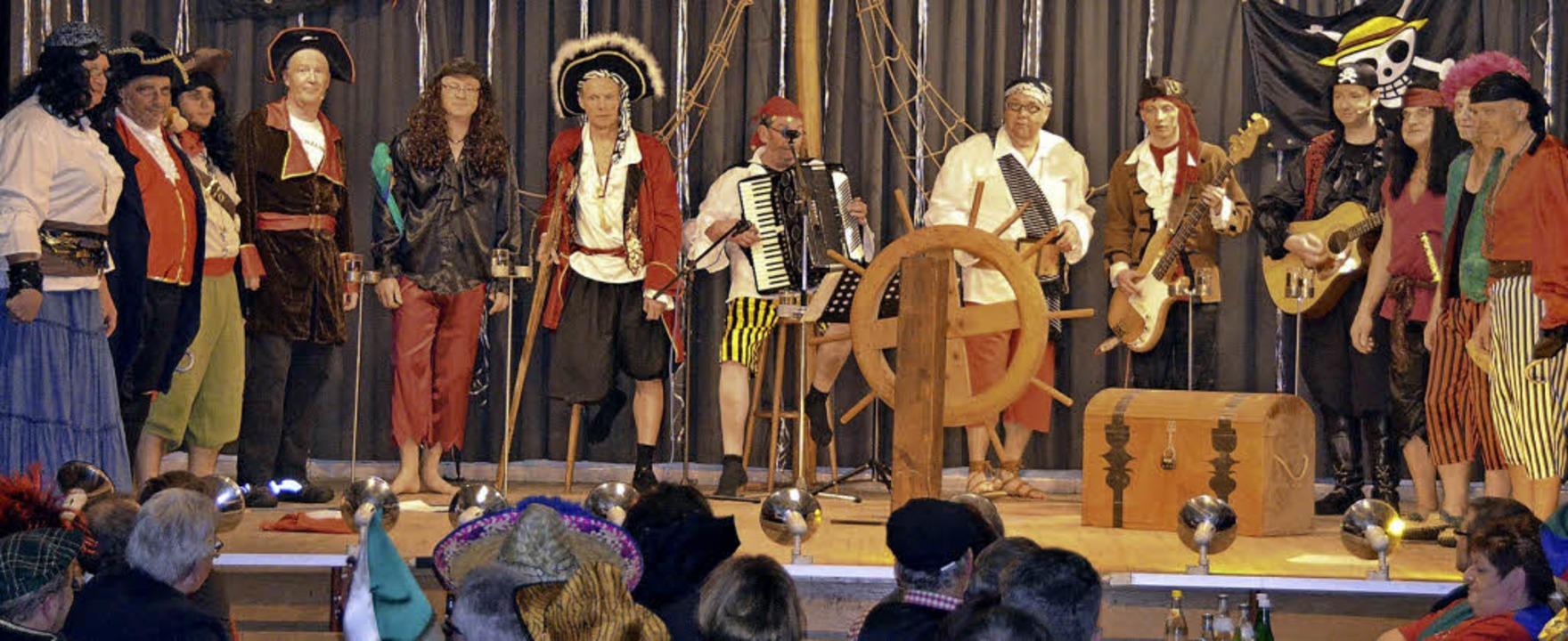 Zunftabend 2015: die Brezele Buebe als Piraten beim Potpourri  | Foto: Markus Maier