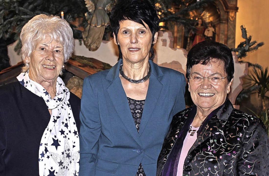 Walburga Haag, Ulrike Dilger und Marga... das Leitungsteam des Seniorentreffs.   | Foto: adelbert mutz