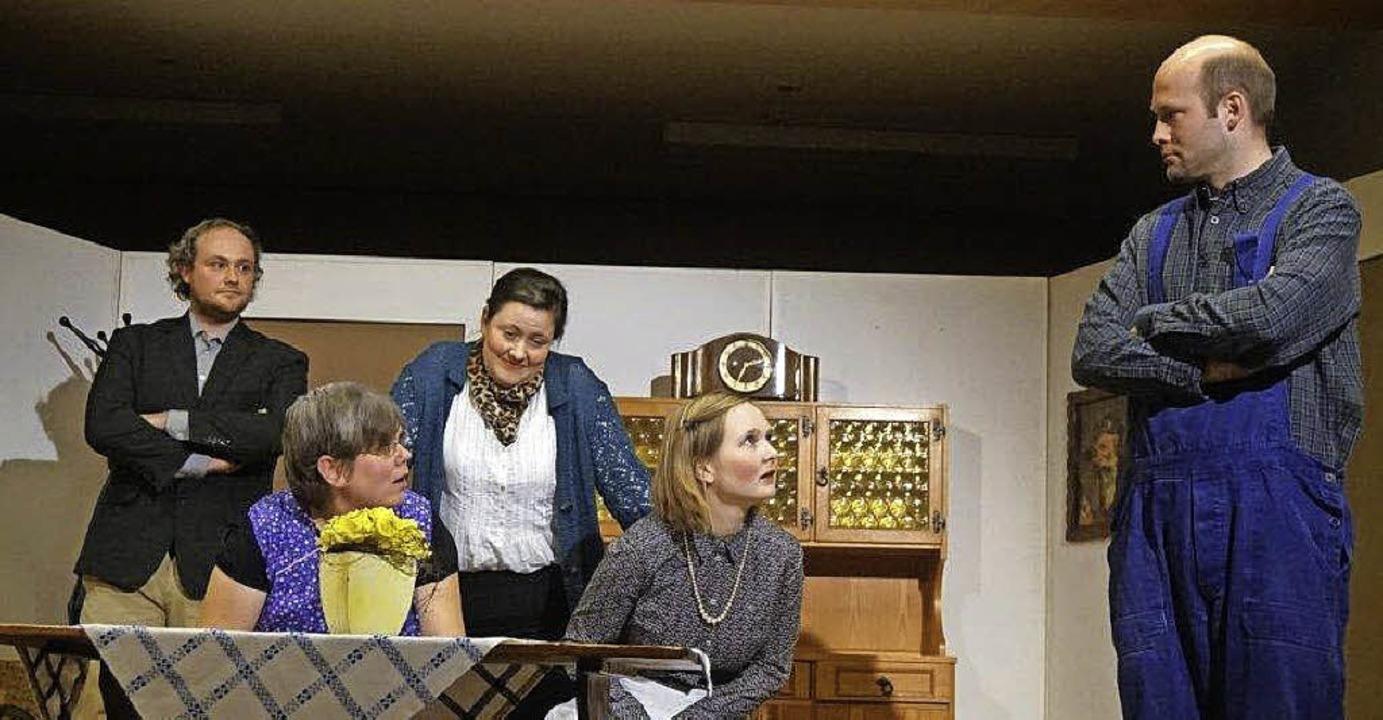 S' Doppeljoch hieß das Stück, da...gte Schafe zum Einsatz (Bild rechts).     Foto: Anne Freyer