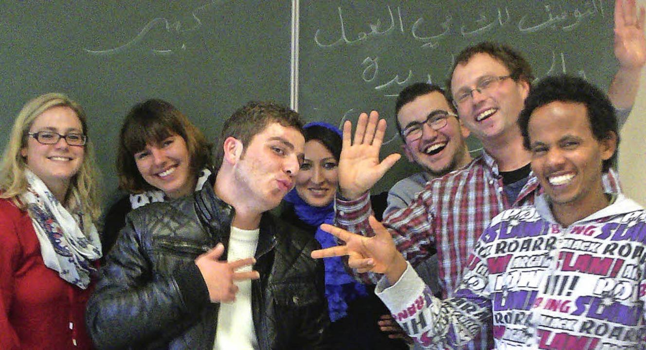 Markus Schwenk (Zweiter von rechts) be...er VAB-O-Klassen an der Gewerbeschule     Foto: Privat