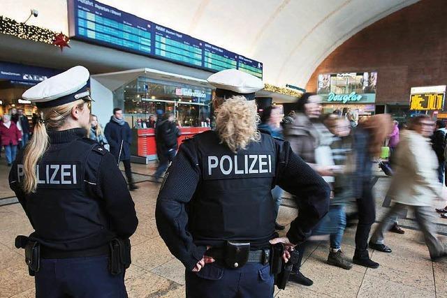 Übergriffe in Köln: Polizei macht 16 Verdächtige ausfindig