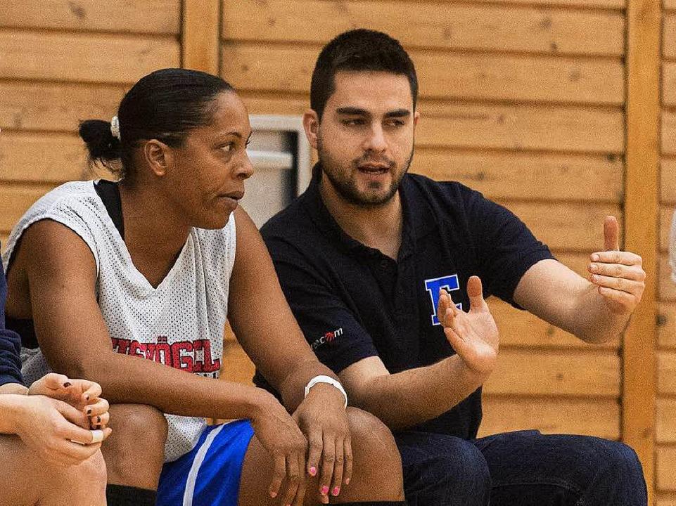 Licet Castillo mit USC-Co-Trainer Victor Herbosa  | Foto: Patrick Seeger