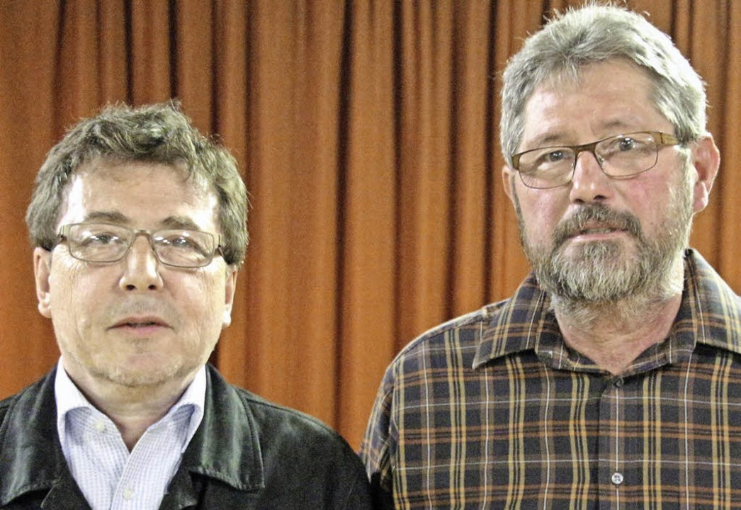 Uwe Häcker (links) als neuer Vorsitzen...llvertreter wurden einstimmig gewählt.  | Foto: reiner beschorner