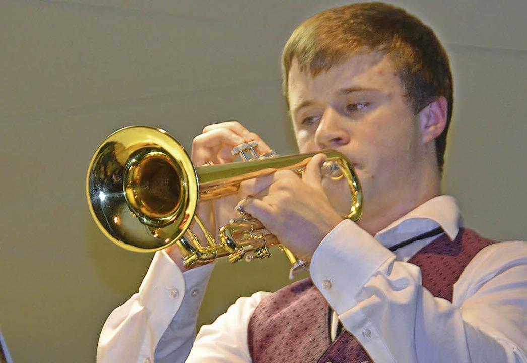 Kai Hofmeier durfte sein Trompetensolo...und gekonnten Vortrag des 17-Jährigen.    Foto: Cornelia Selz