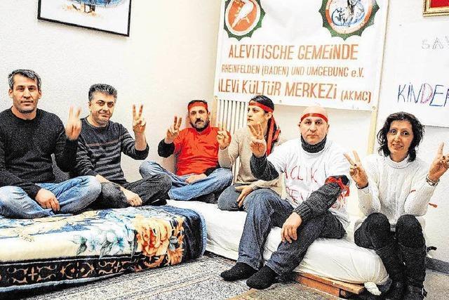 Aleviten in Rheinfelden demonstrieren mit Hungerstreik gegen die Politik Erdogans