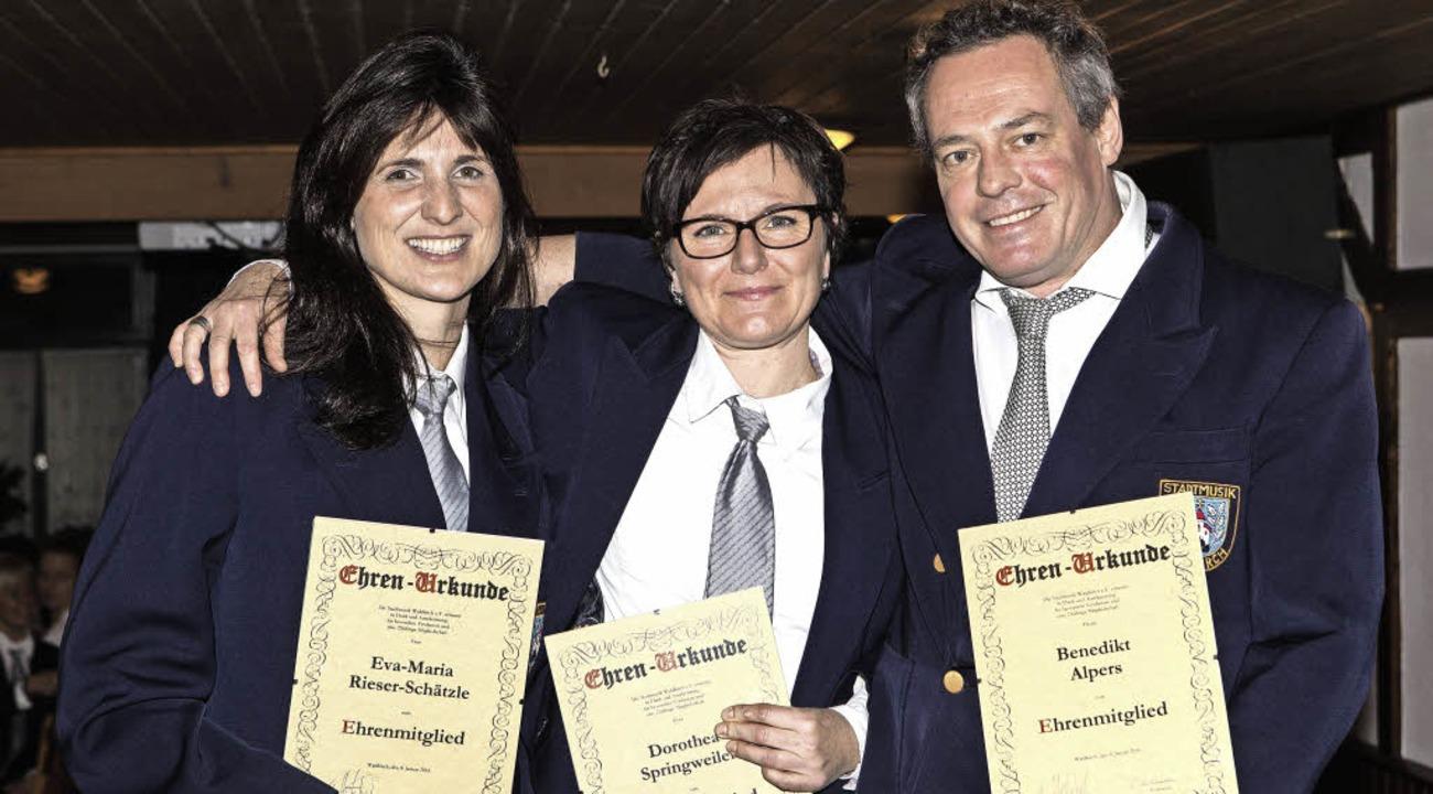 Eva-Maria Rieser-Schätzle, Dorothea Sp...renmitgliedern der Stadtmusik ernannt.  | Foto: Photographer: Gabriele Zahn