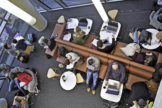 In der neuen Unibibliothek wird für die Studierenden der Platz knapp
