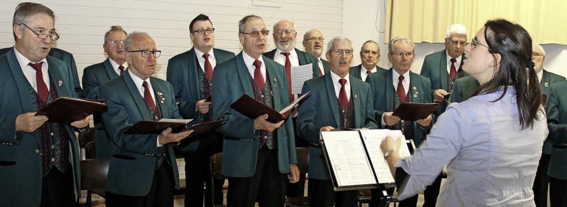 Der Männergesangverein Liederkranz unt...on  beim Neujahrsempfang in Gottenheim  | Foto: Mario Schöneberg