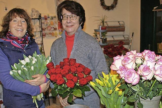 Ein Atelier voller Rosen und Tulpen