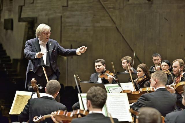 Justus Frantz dirigiert Philharmonie der Nationen