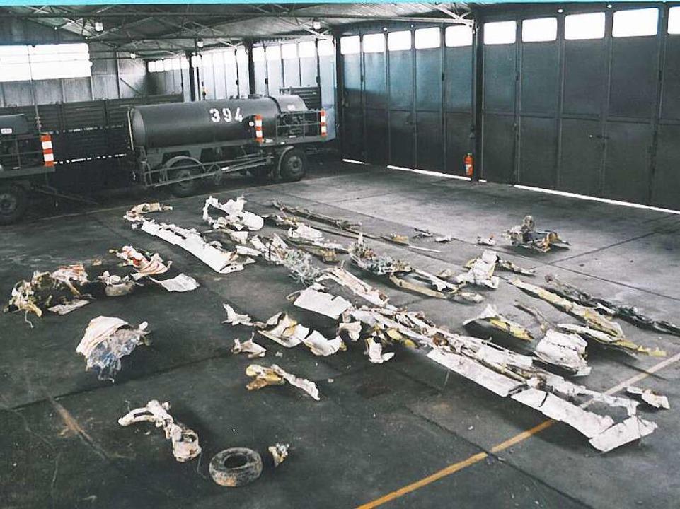 Die Reste des Unglücksfliegers, ausgeb...t in einem Hangar des Flugplatzes Lahr  | Foto: Bundesstelle für Flugunfalluntersuchung