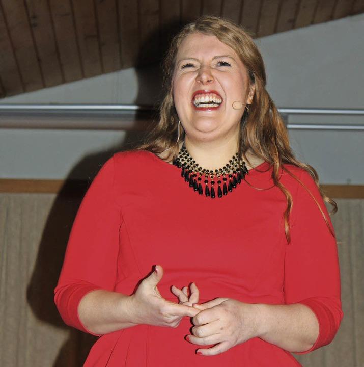 Franzsika Wanninger spricht bayerisch ...skeln der Zuhörer eins ums andere Mal.    Foto: Martha Weishaar